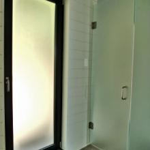 acid etched tempered glass in tilt turn door